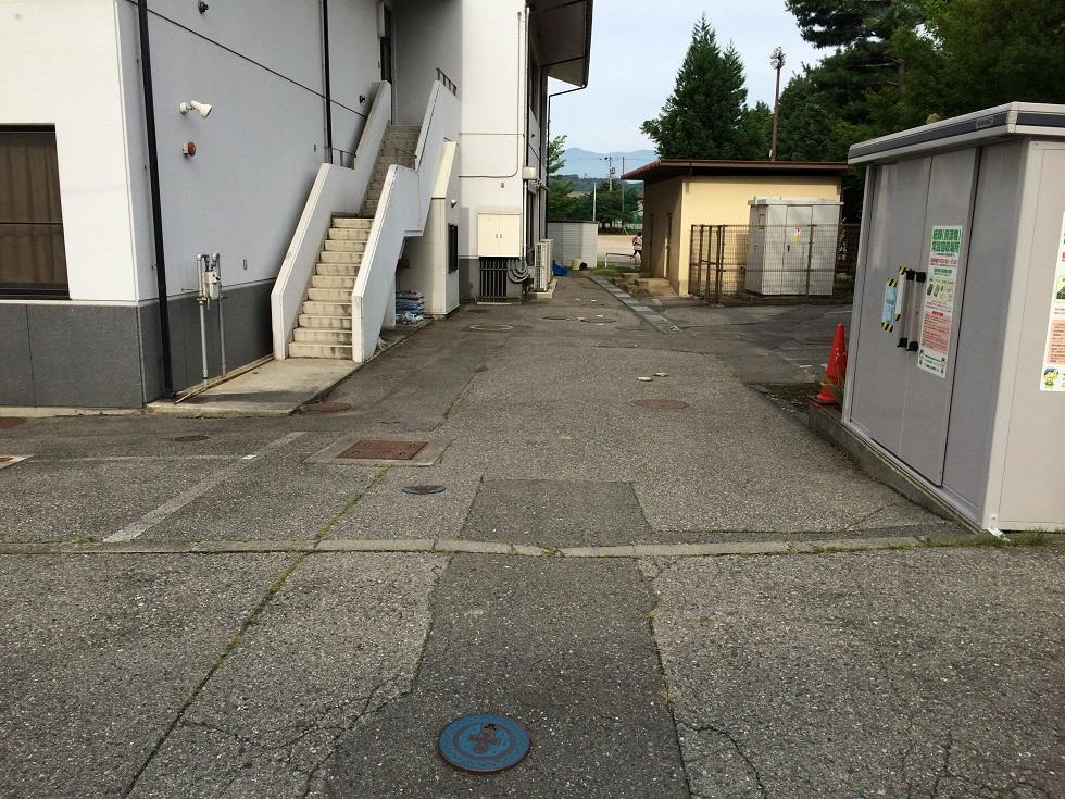 駐車場の舗装補修を行いました!