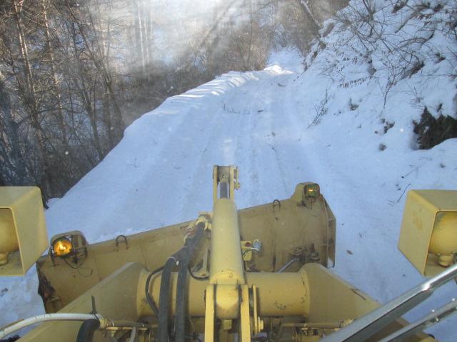 林道の除雪行いました!
